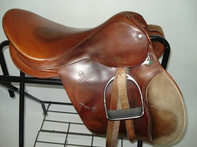 Lairds-Toptani-GP-saddle-17inch-R4100-B25